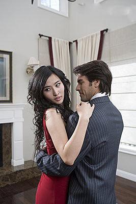 出轨后被对方老婆威胁_对方出轨_韩国电影幻想对方出轨