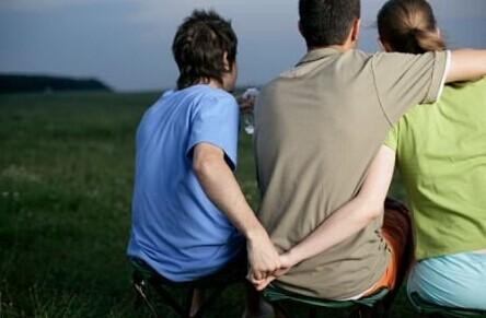 老公经常怀疑老婆出轨_老公经常出轨,我该怎么办_老公经常出轨