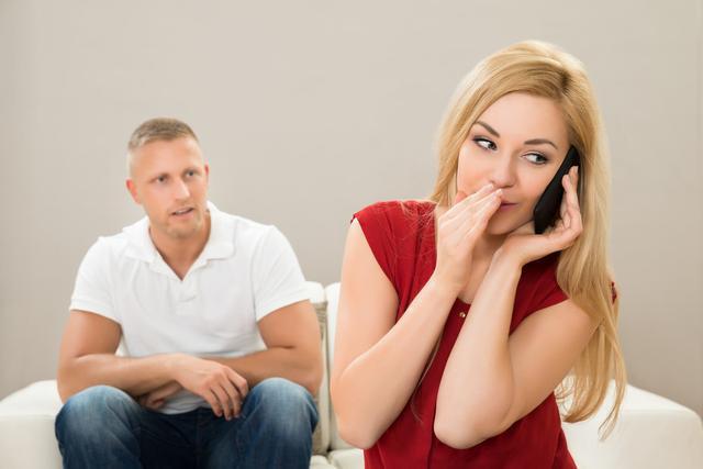 女人出轨后老公不理她为了小孩不离婚但是还有话聊_自己老公出轨_老公老是怀疑老婆出轨